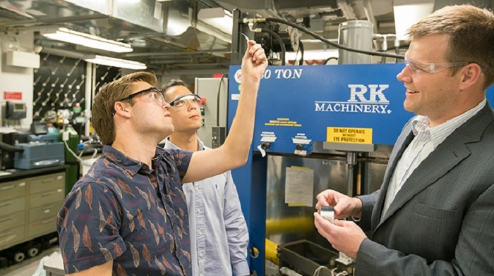 On the Research Path, Engineering Students Make Discoveries